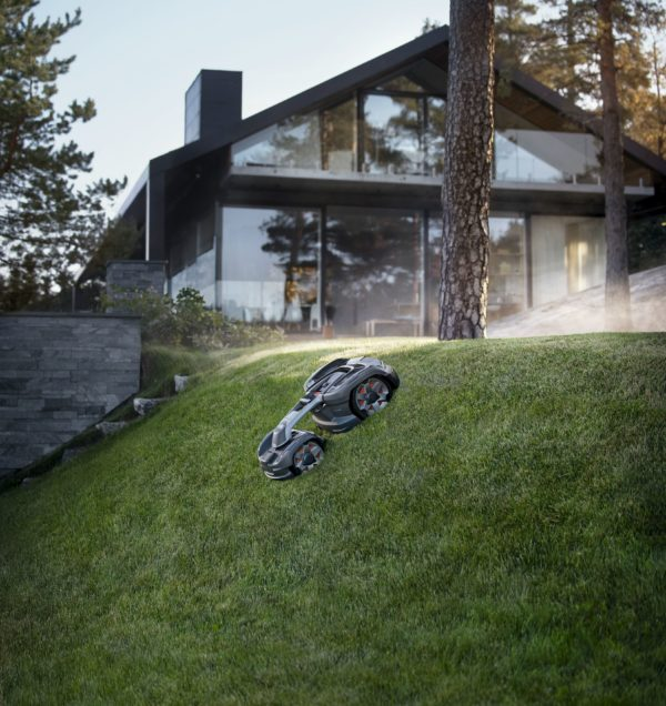 Automower 435X AWD mowing down steep garden slope